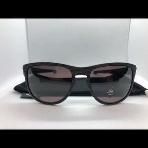 Oakley Sliver 9342-11 Woodgrain Prizm Gray Lens
